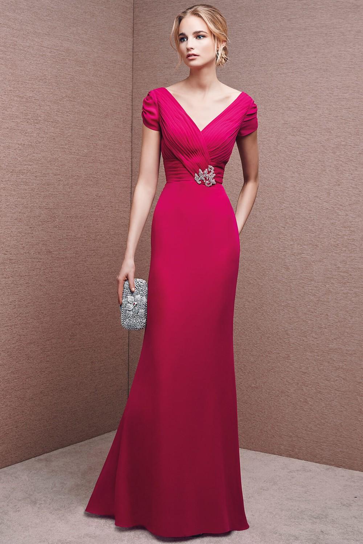 đầm dạ hội màu đỏ sang trọng